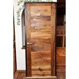 Двери из дубовой амбарной доски
