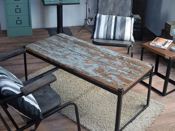 мебелью в стиле лофт