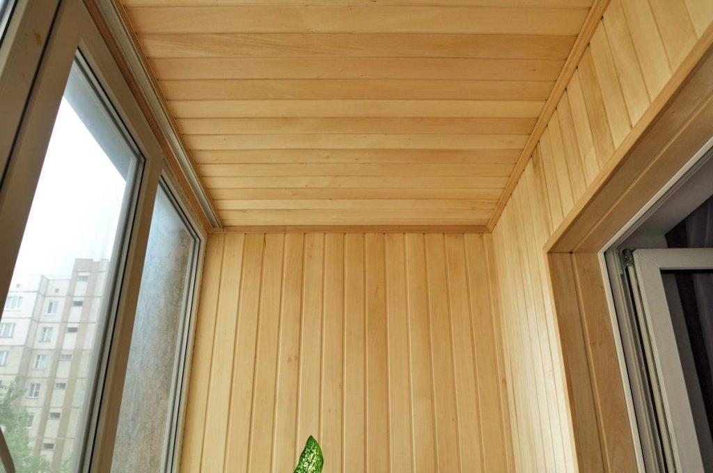обшивки балкона вагонкой